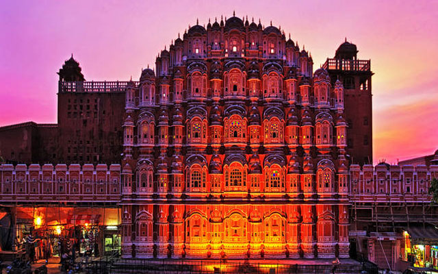 Hawa Mahal - The Famous Indian Monuments